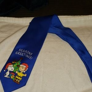Peanuts Christmas Tie Lights Up Plays Jingle Bells
